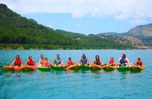 Ruta guiada en kayak en Montanejos (1,5h)