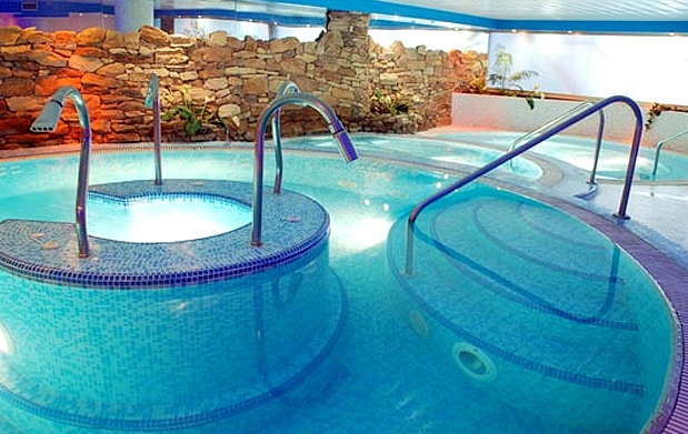 Fitness clases piscina y spa for Olympia piscina horarios